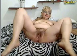 Fat mature hairy pussy